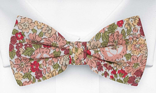 SENTIMENTAL Old pink bow tie