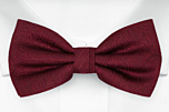 ORNATE Dark red pre-tied bow tie