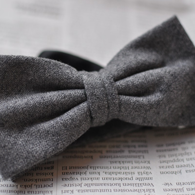 Neckties and bow ties in both thin and thick wool